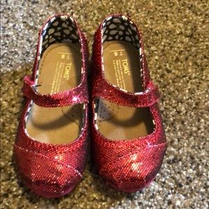 Sparkly red tiny Tom shoes
